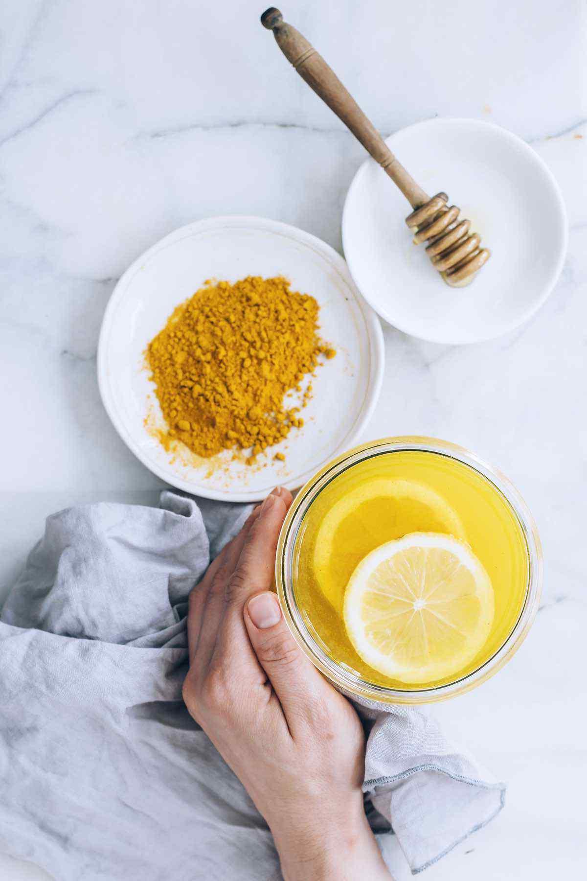 Turmeric Lemon Infused Water for Bloating