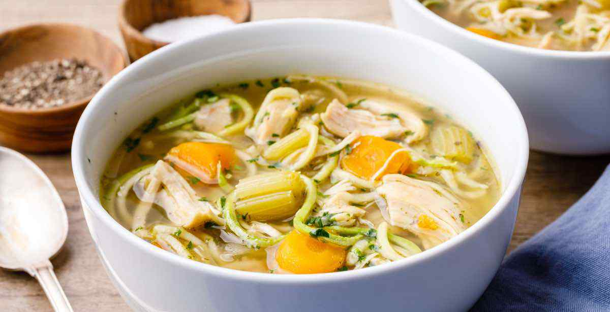 Easy Chicken Bone Broth Recipe in a Slow Cooker [Homemade
