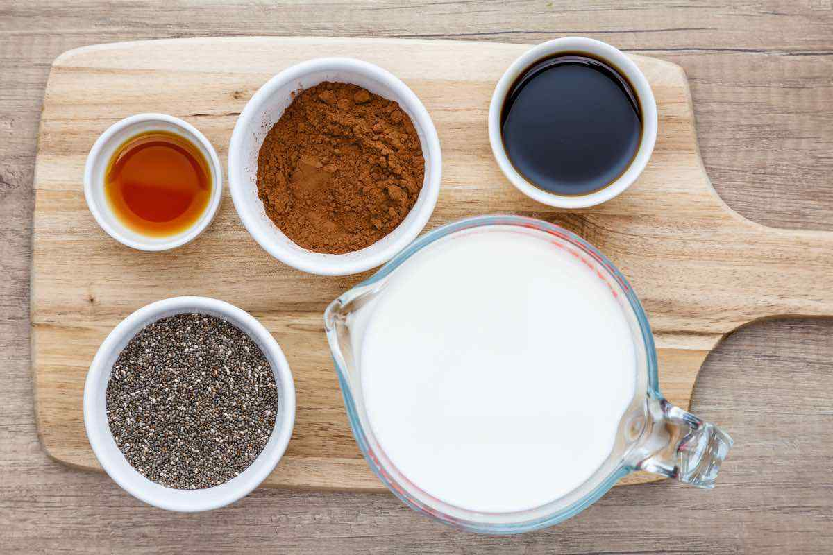 5-Ingredient Chocolate Chia Seed Pudding