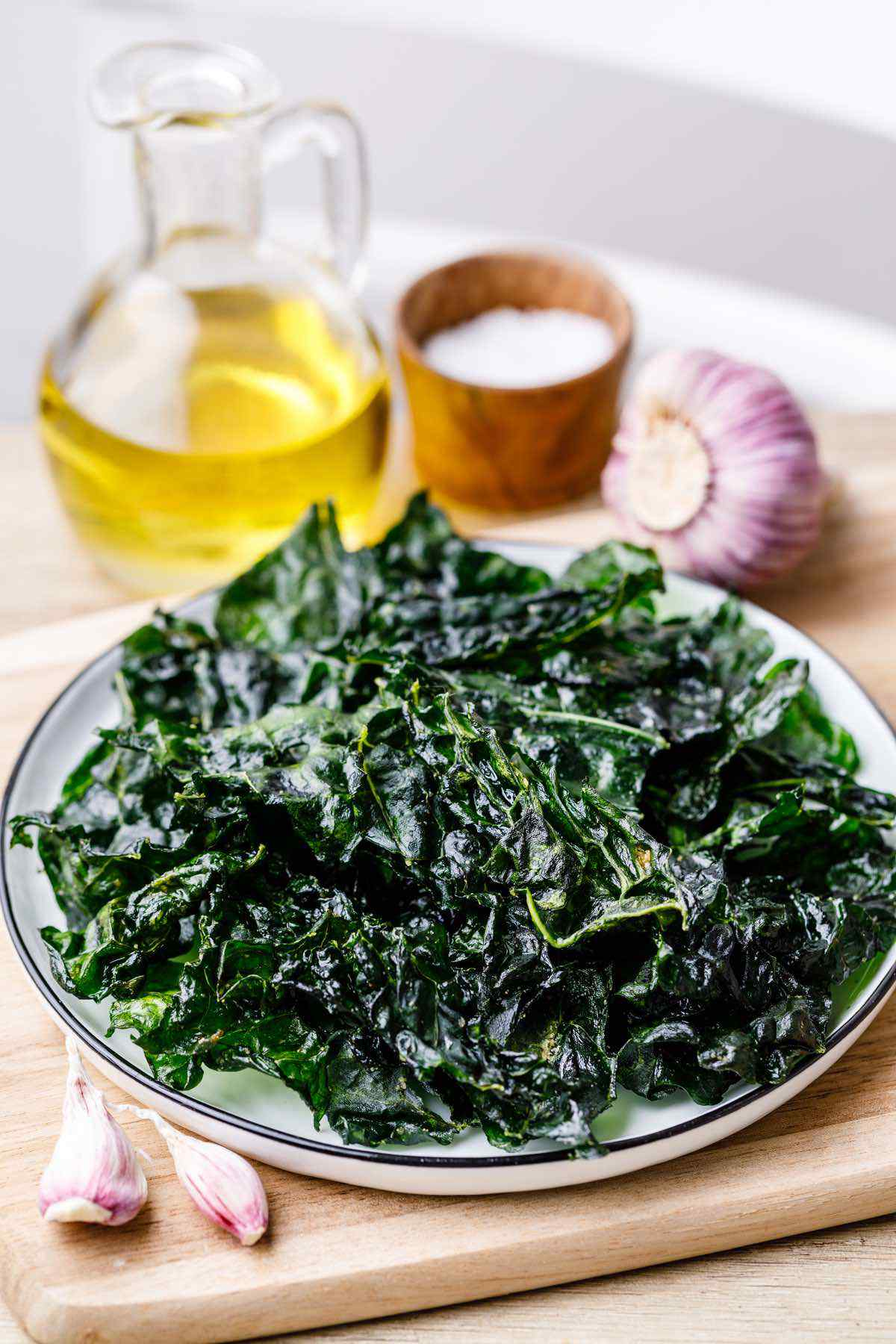 Roasted Garlic Kale Chips