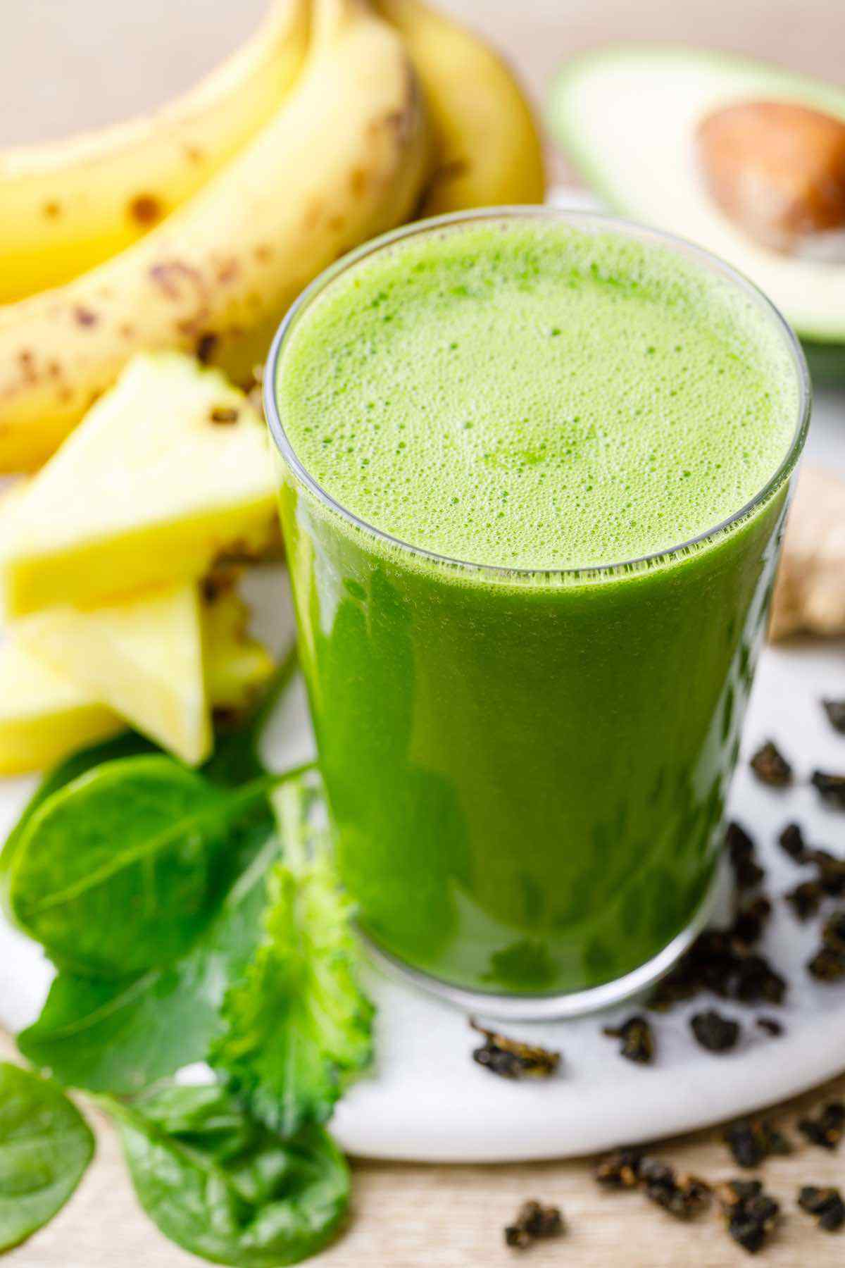 Greens and Green Tea Smoothie for Healthy Energy