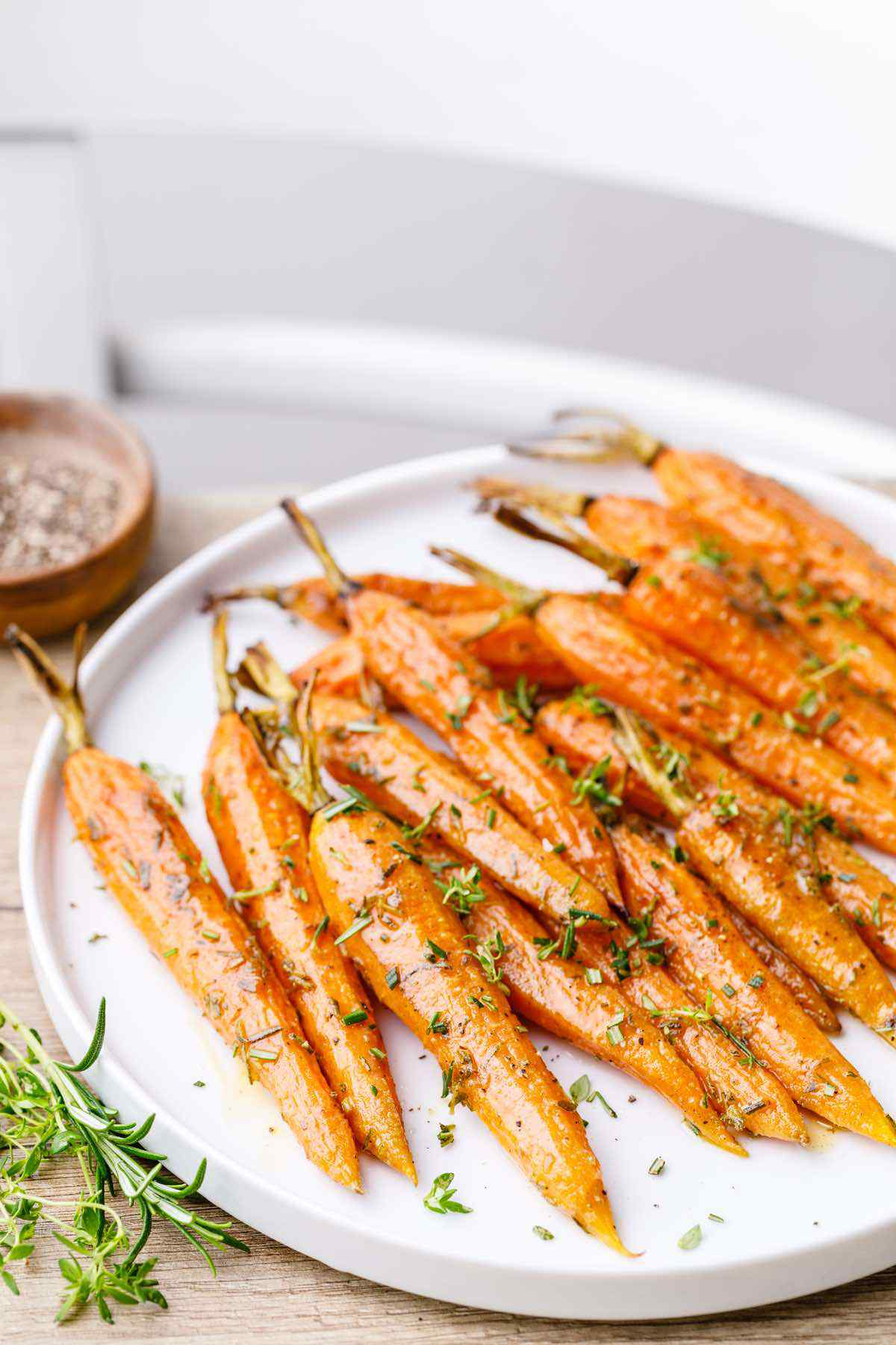 Oven Roasted Baby Carrots with Thyme and Rosemary